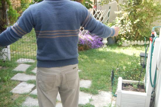 Pull simple rayures décalées dos